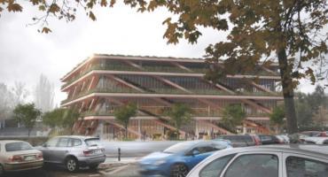Nowy budynek SGH z tarasem zamiast dachu, z bujną roślinnością, dostępny dla wszystkich