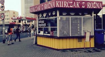 """""""Kurczak z rożna na Belwederskiej"""" nie zniknie? Jego fani mobilizują się. Skutecznie?"""