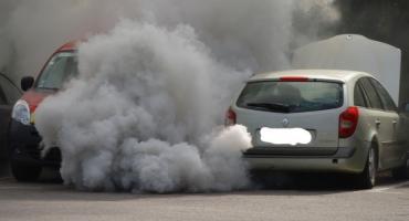 Dzielni policjanci z Mokotowa zapobiegli spaleniu samochodu, choć byli na służbie ponadnormatywnej (