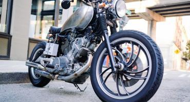 Motocyklista ucierpiał w wypadku