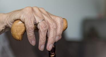 Samotna staruszka mieszkała w fatalnych warunkach