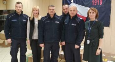 """Policjanci włączyli w się w akcję """"Paczka dla Bohatera"""""""
