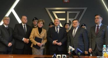 Podpisanie porozumienia pomiędzy Fabryką Broni, a ZDZ