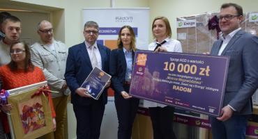 Nagroda za świąteczną iluminację trafiła do radomskich organizacji pozarządowych [FOTO]