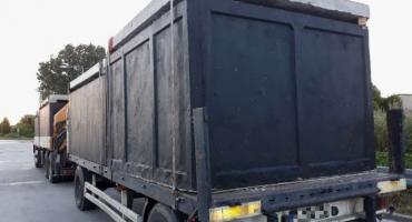 Ciężki transport betonowych szamb