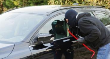 Fikcyjna kradzież samochodu udowodniona przez policjantów