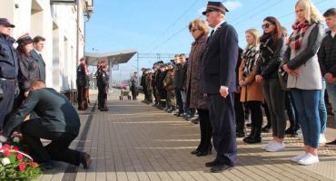 Oddano hołd pomordowanym pracownikom kolei [FOTO]