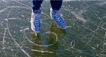 MOSiR przygotowuje lodowisko