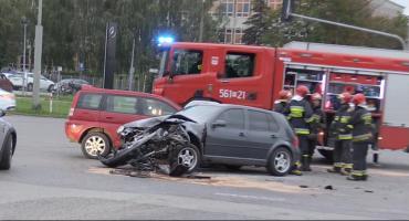 Kolizja trzech samochodów pod Laminą w Piasecznie