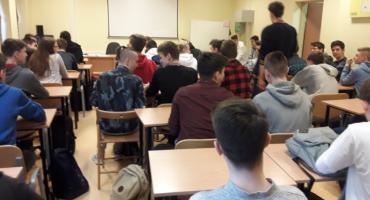 Warsztaty o zagrożeniu narkomanią i przemocą wśród młodzieży szkolnej