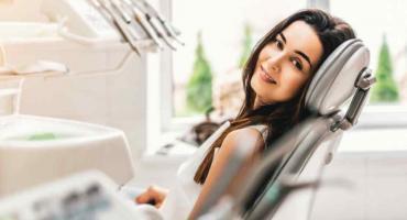 Poszukujesz dobrego gabinetu stomatologicznego w Warszawie? Sprawdź na co zwrócić uwagę