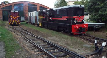 Ulicami Piaseczna - Sienkiewicza stacja Kolei Wąskotorowej