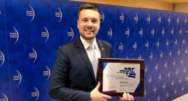 Starosta pruszkowski Maksym Gołoś z tytułem Samorządowca Roku 2017