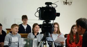 Filmowe wakacje dla młodych ludzi w Brwinowie
