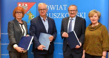"""Powiat Pruszkowski - Podpisanie umowy na inwestycję """"Konserwacja nawierzchni dróg powiatowych – nakładki"""""""