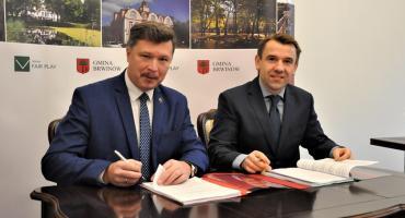 Podpisana umowa na obsługę komunikacji miejskiej w gminie Brwinów