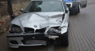 Pijany kierowca spowodował wypadek i uciekł z miejsca zdarzenia