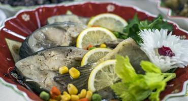 Grzyby, ryby i bakalie. Producenci żywności pracują na najwyższych obrotach