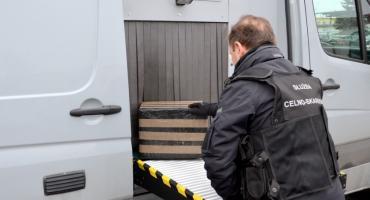 W przesyłkach kurierskich ukryty był nielegalny tytoń