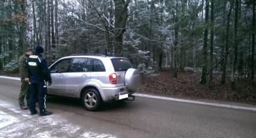 Polacy coraz lepiej orientują się w ubezpieczeniach samochodów