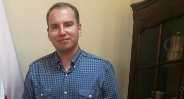 Dwa pojazdy śledziły Adama Andruszkiewicza. Złożył zawiadomienie na Policji