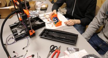 Uczniowie z Łap otrzymali drukarkę 3D na start