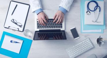 Jak wrócić na rynek pracy po chorobie? Szansą jest renta szkoleniowa