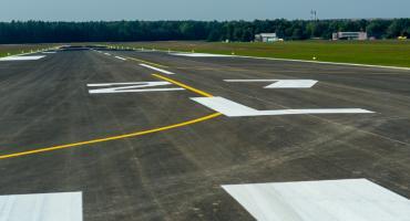 Po roku od zakończenia budowy pasa na Krywlanach wciąż nie ma lotów