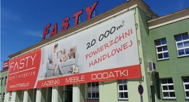 Centrum Handlowe Fasty ma nowy salon. Można w nim kupić panele i drzwi