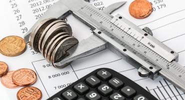 Przeterminowanych płatności jest coraz mniej, ale coraz trudniej je odzyskać