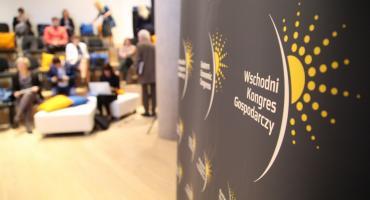 Taka gmina: Kongres Gospodarczy czyli jesionka w operze
