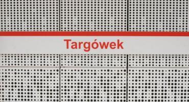 Stacja Targówek w odcieniach bieli, Szwedzka w szarościach - widać już wystrój