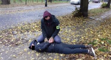 Ukradł dwa auta na Targówku. Namierzono go na Żoliborzu jak zmieniał tablice