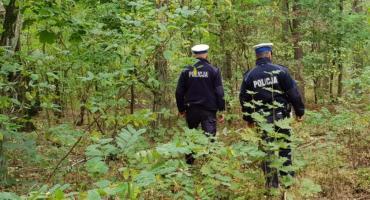 Szukali grzybów, znalazła ich policja