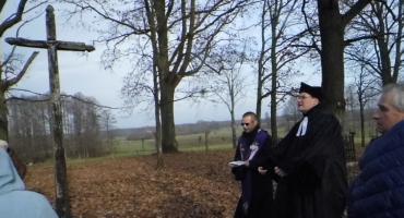 Ekumenicznie nad grobami