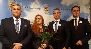Wyrazisty lider burmistrzem a zarząd opanowany przez lokalsów