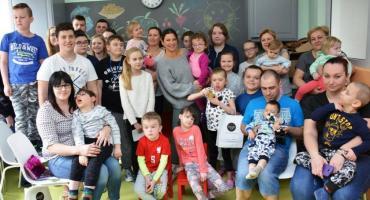 Pół miliona zł dla Centrum Zdrowia Dziecka od Lewandowskich