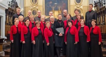 Falenicka muzyczna uczta  w wykonaniu znakomitych Warszawskich chórów.
