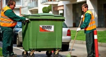 Śmieci nie są odbierane w terminie czy mieszkańcy za późno je wystawiają?