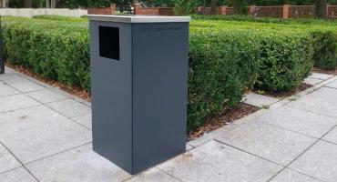 Nowe pojemniki na śmieci w Wilanowie Królewskim