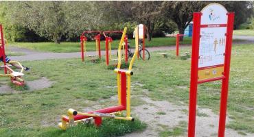 Ćwiczenia dla seniorów na siłowniach plenerowych