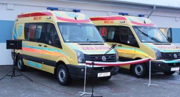 Nowe ambulansy w płockim pogotowiu.