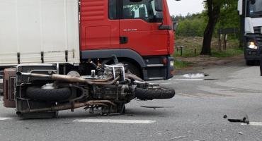 Wypadek motocyklisty na drodze nr 50