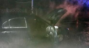 Pożar auta w gminie Puszcza Mariańska