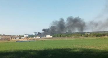 Pożar podkładów kolejowych w Mszczonowie