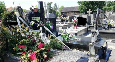 Pożar na cmentarzu w Mszczonowie