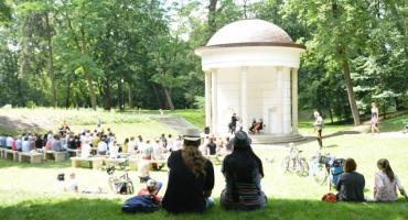 """I """"Muzyczne Śniadanie na Trawie"""" w Parku Miejskim"""