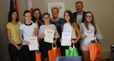 W starostwie nagrodzono laureatów konkursu fotograficznego