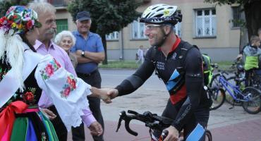 Uczestnicy Bałtyk-Bieszczady Tour dotarli do Łowicza (ZDJĘCIA, VIDEO)