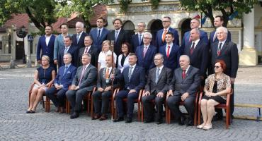 Ostatnia sesja Rady Miejskiej w Łowiczu tej kadencji. Transmisja na żywo